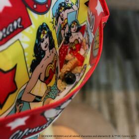 Pack de 2 super bavoirs imperméables Wonder Woman