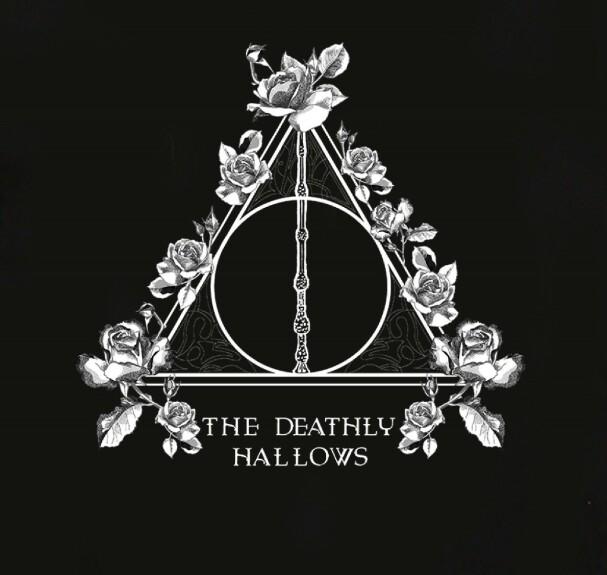 T-shirt Femme Reliques de la Mort fleuries