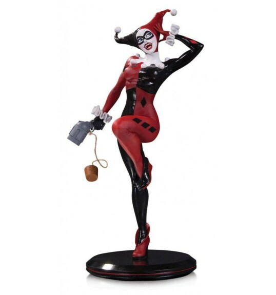 Harley Quinn statue DC Collectibles Cover Girls by Joelle Jones 28 cm