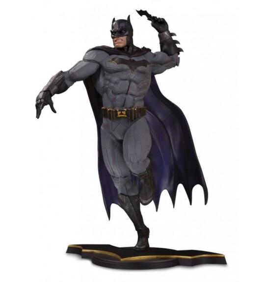 Batman et batarang statue DC Core