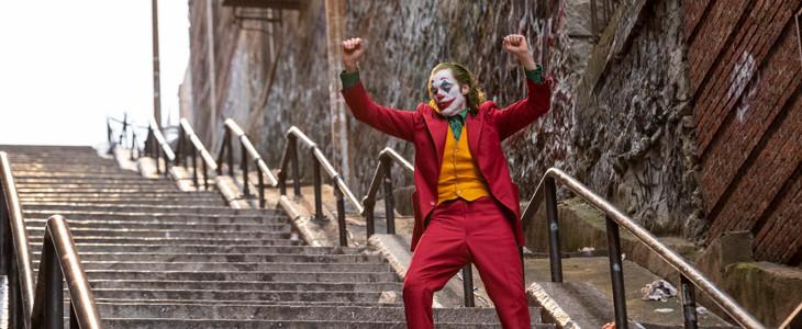Joaquin Phoenix, dans Joker, donne la réplique à Dante Pereira-Olson