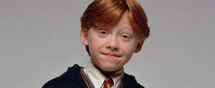 Rupert Grint dans le costume de Ron Weasley