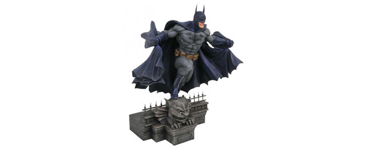 Figurine Batman ouvrant sa cape