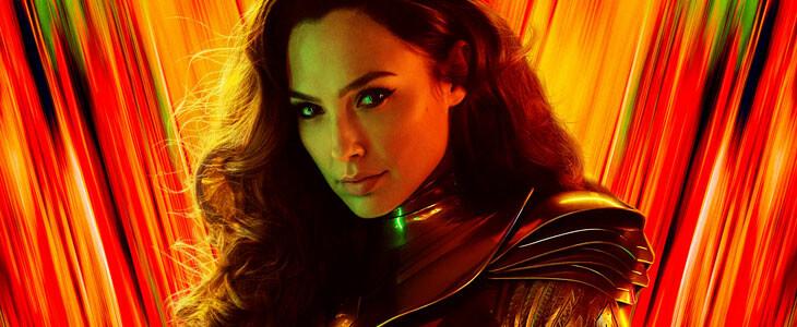 Gal Gadot dans l'armure dorée de Wonder Woman