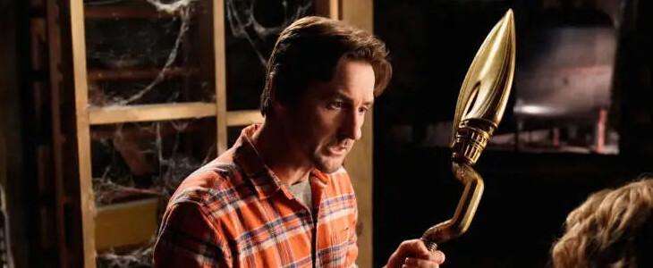 Luke Wilson est Pat Dugan dans Stargirl.