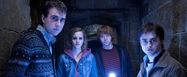 Matthew Lewis, Emma Watson, Rupert Grint et Daniel Radcliffe dans Harry Potter et les Reliques de la Mort