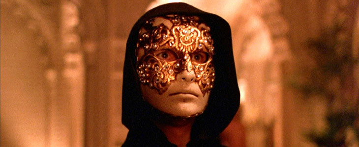 Tom Cruise masqué dans Eyes Wide Shut