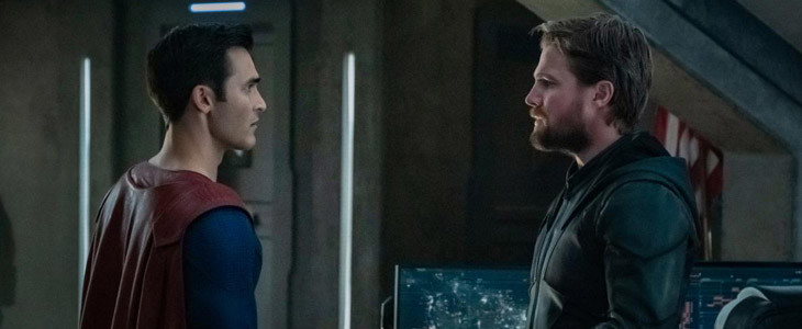 Superman (Tyler Hoechlin) et Green Arrow (Stephen Amell)