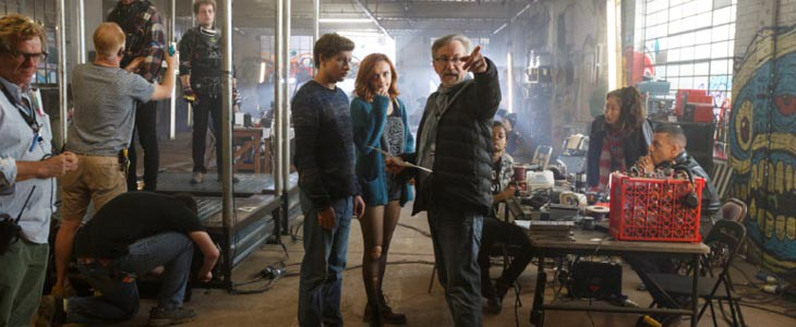 Tye Sheridan, Olivia Cooke et Steven Spielberg sur le tournage de Ready Player One