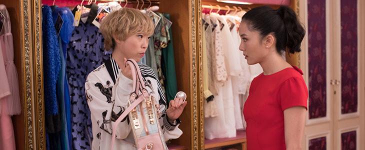 Awkwafina et Constance Wu dans Crazy Rich Asians