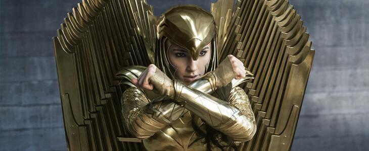 Wonder Woman (Gal Gadot) vêtue de son armure dorée dans Wonder Woman 1984
