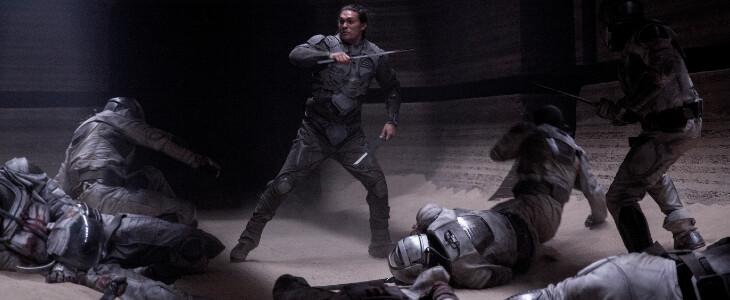 Une scène de combat menée par Duncan Idaho (Jason Momoa)