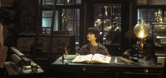 Harry Potter dans la boutique de baguettes