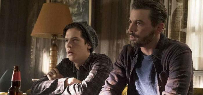 Jughead et son père dans Riverdale